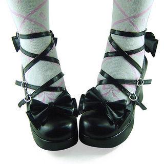 合皮 ゴム底 バックル ハイヒール  つや消しブラック ロリータ靴 ゴスロリ靴